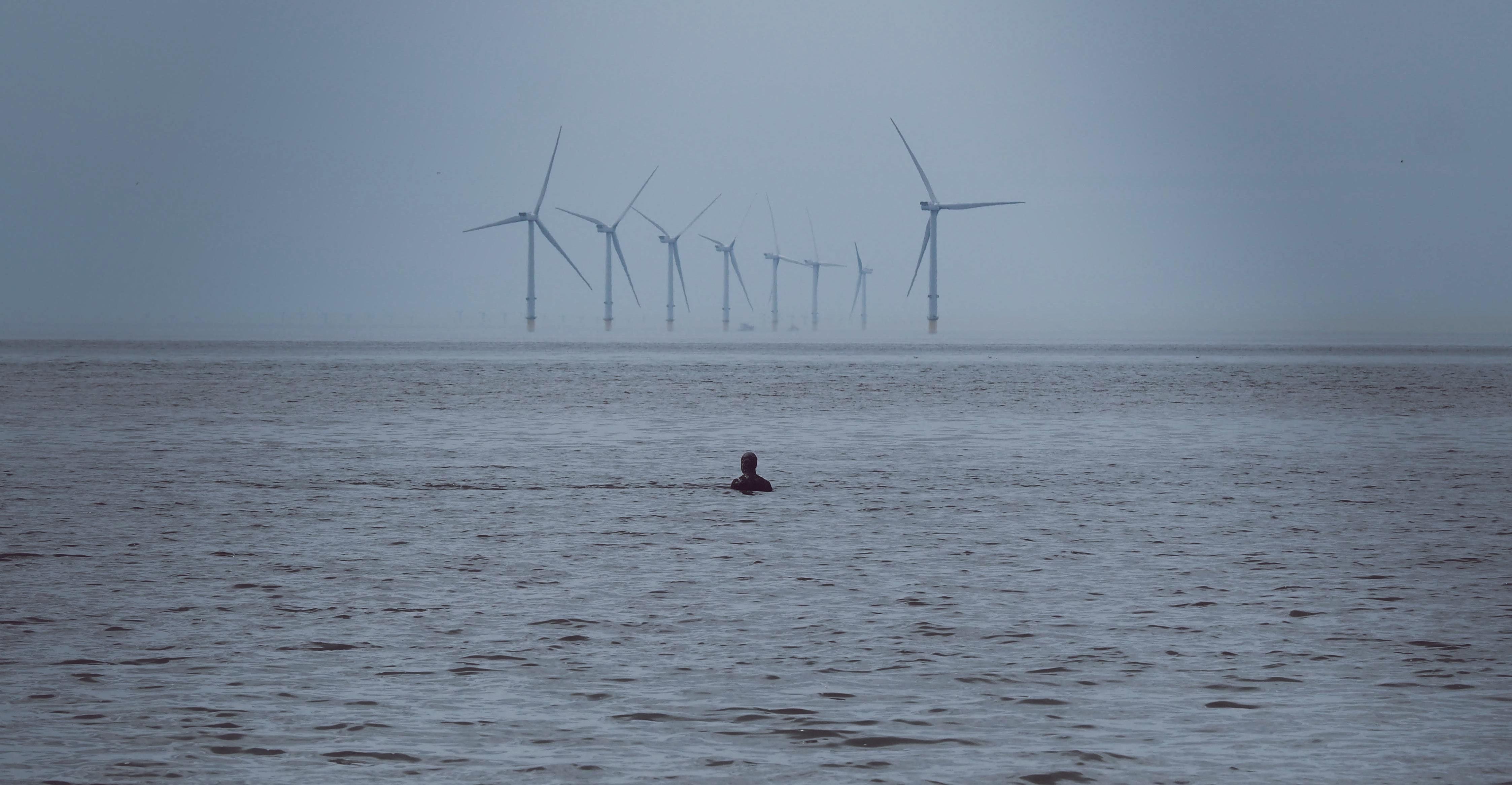 Wind als energiebron voor groene waterstoffabriek.